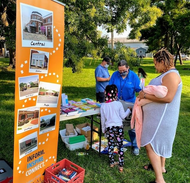Families talk with representatives from Massanutten Regional Library
